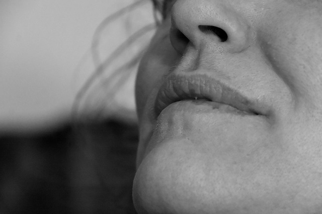 breath by nose to reduce gag-reflex to remove tonsil stones