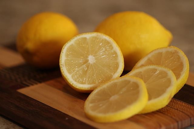lemon tip to restrict tonsil stone blood problem